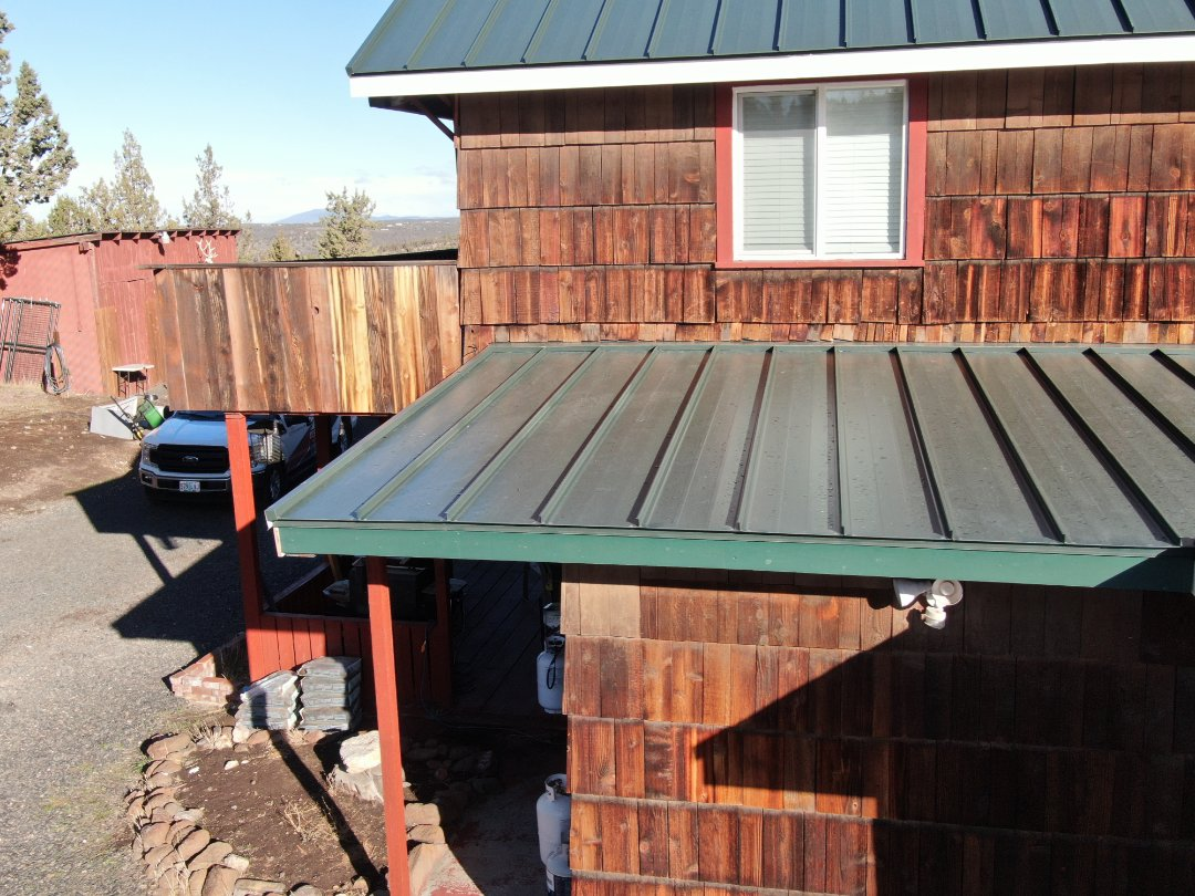 Prineville, OR - This is a MS-150 standing seam roof in this home.