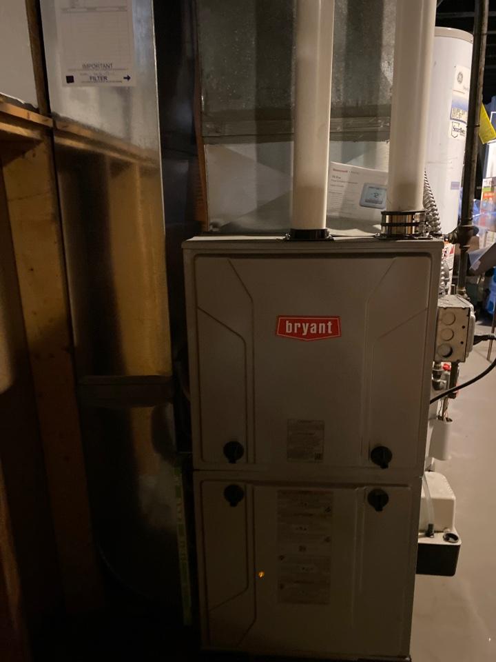 Saline, MI - Perform gas furnace tune up on system