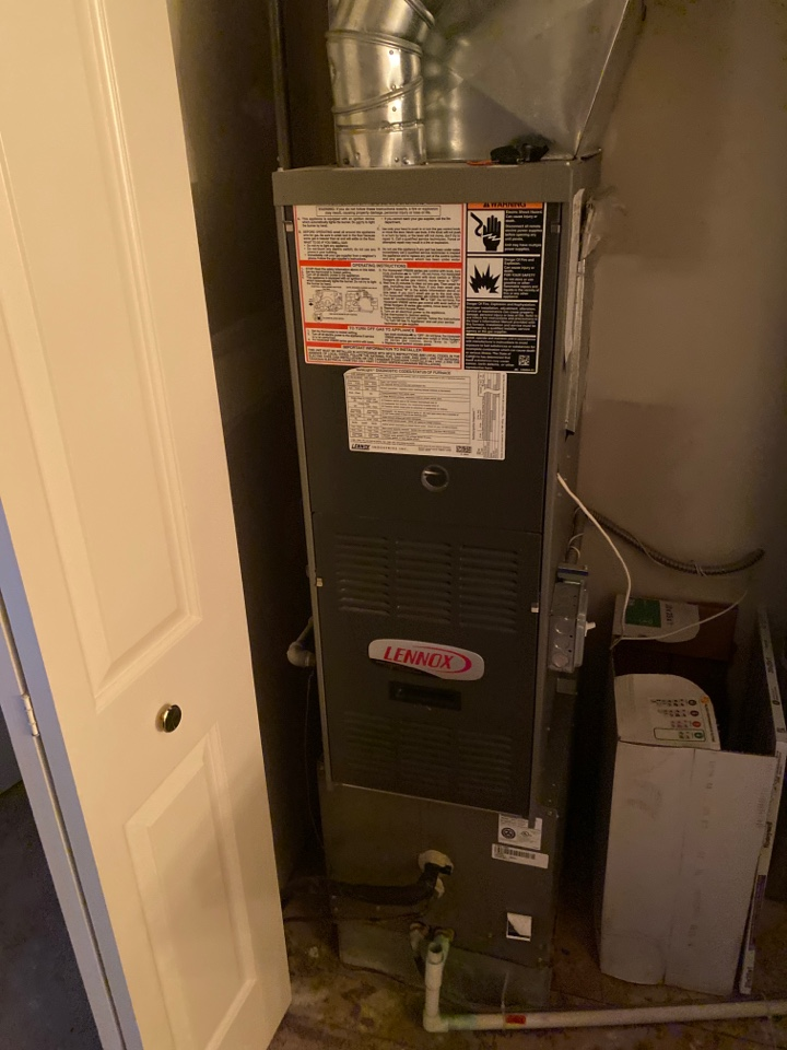 Canton, MI - Perform gas furnace tune up on system