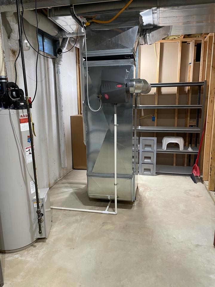 Chelsea, MI - Install furnace, AC, humidifier