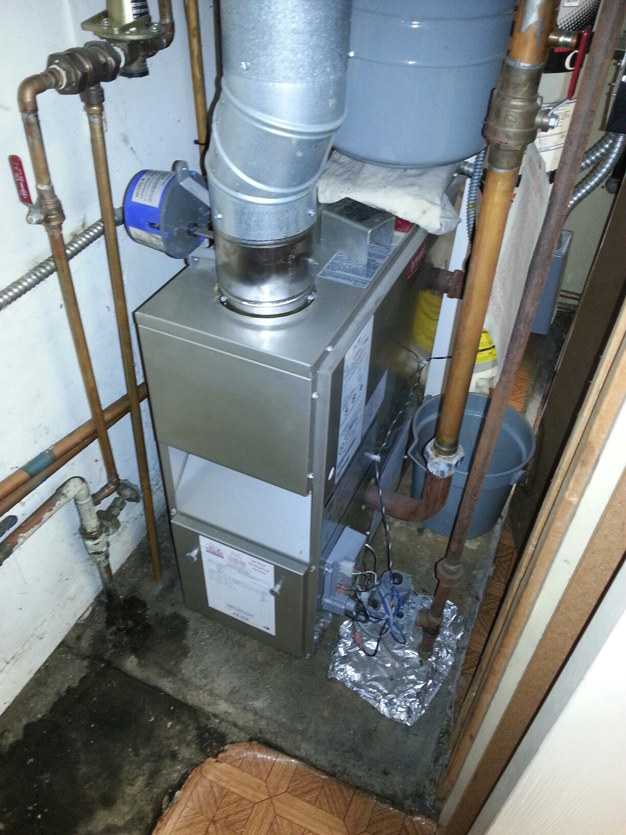 Belleville, MI - Boiler tune up.