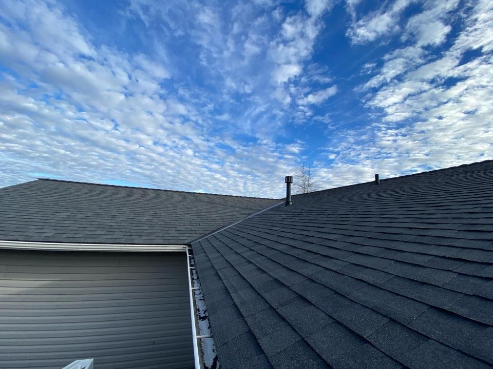 Ferndale, WA - New Certainteed 50 year roof.