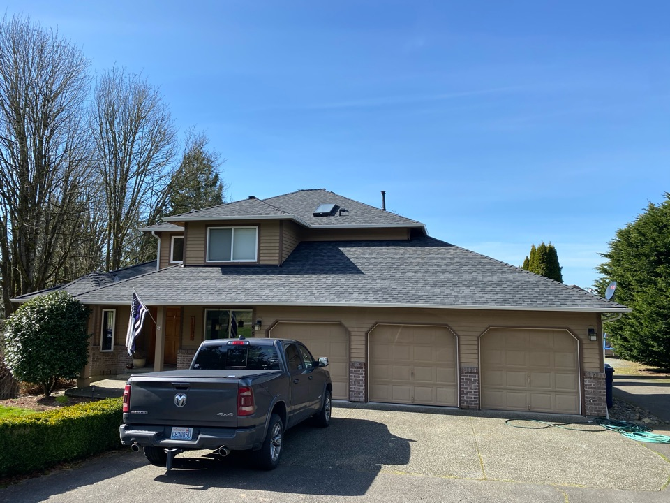 Snohomish, WA - New roof and gutter package.