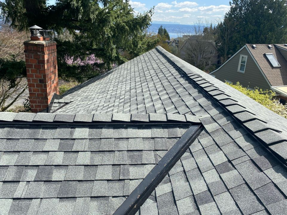 Seattle, WA - Certainteed roof replacement. 5 star/ 50 year warranty.