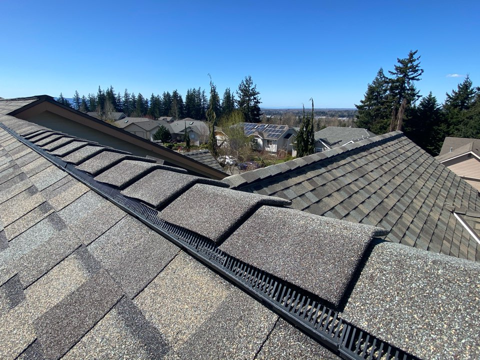 Bellingham, WA - Installed a new certainteed 5-star roof system.