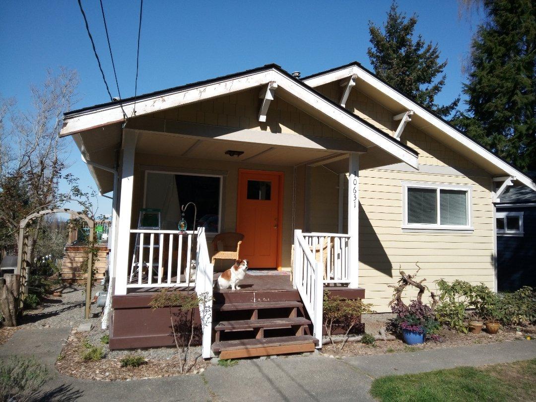 Seattle, WA - Siding,gutters and windows.