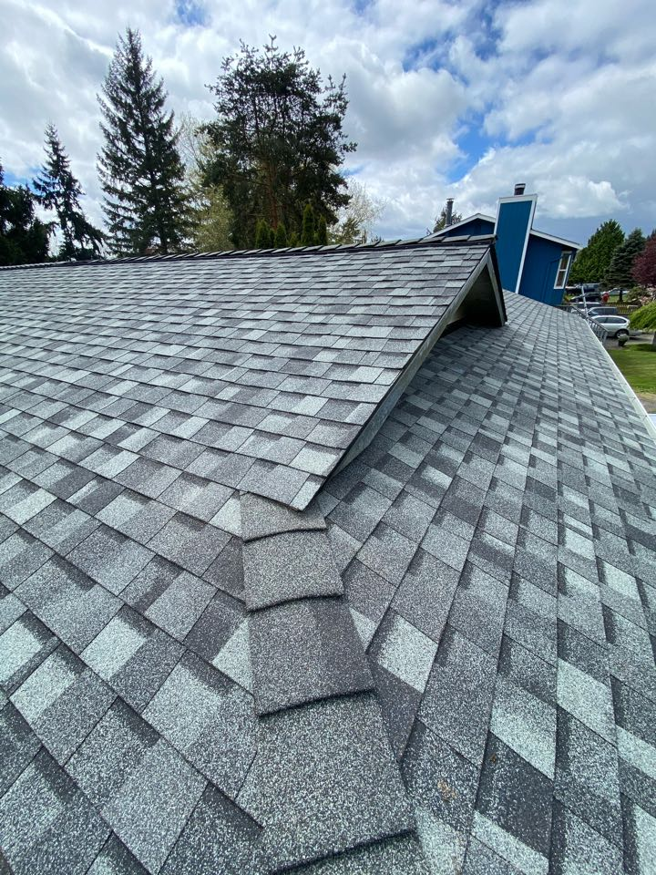 Everett, WA - 5 star 50 year Certainteed roof upgrade with full gutter replacement.