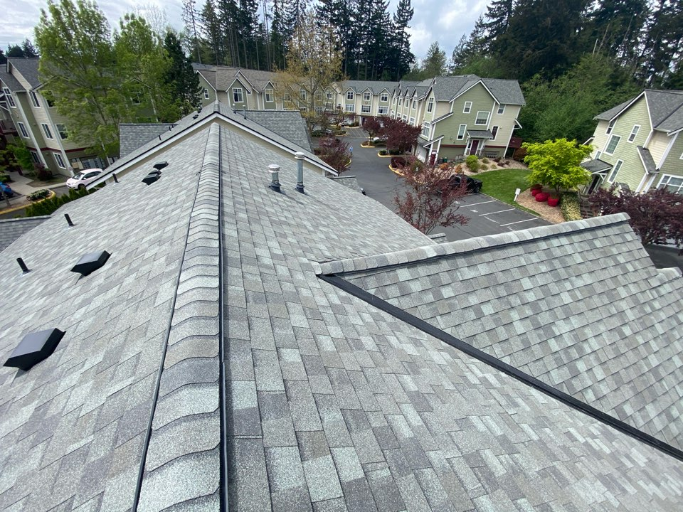 Everett, WA - 3 more buildings complete with Certainteed roofing systems.