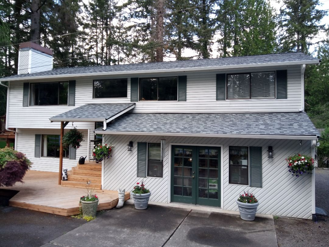 Woodinville, WA - Roof, gutter and fascia