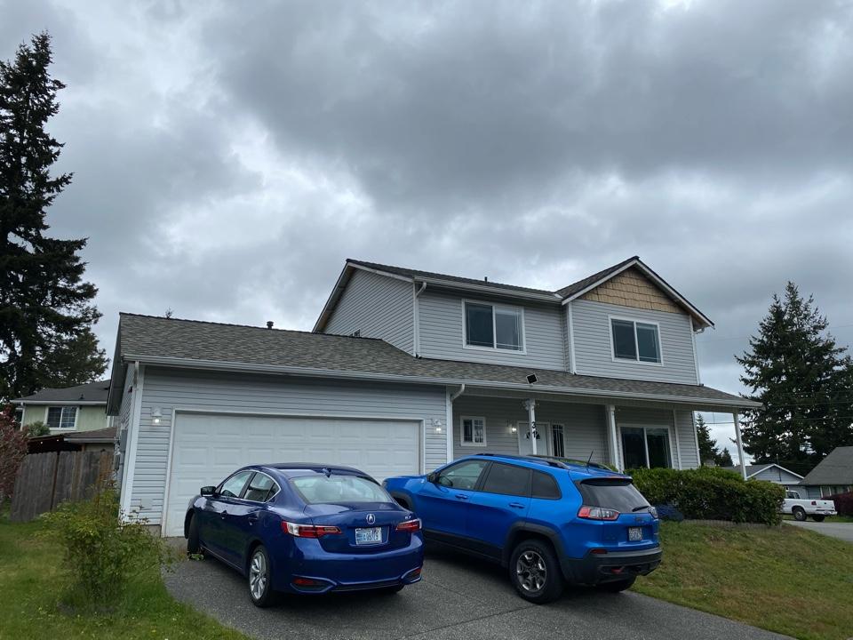Everett, WA - New Certainteed Northgate 5-star 50 warranted roof.