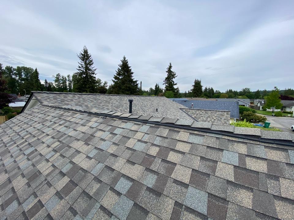 Marysville, WA - Northgate roof replacement 5-star 50 year warranty.
