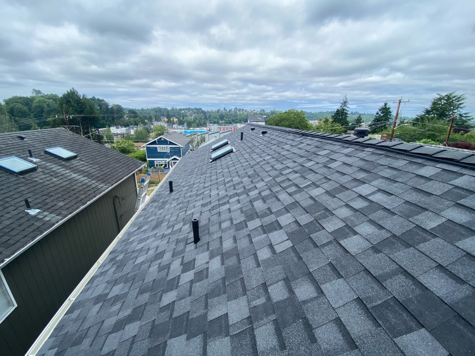 Seattle, WA - Roof replacement with certainteed Northgate 5 star system