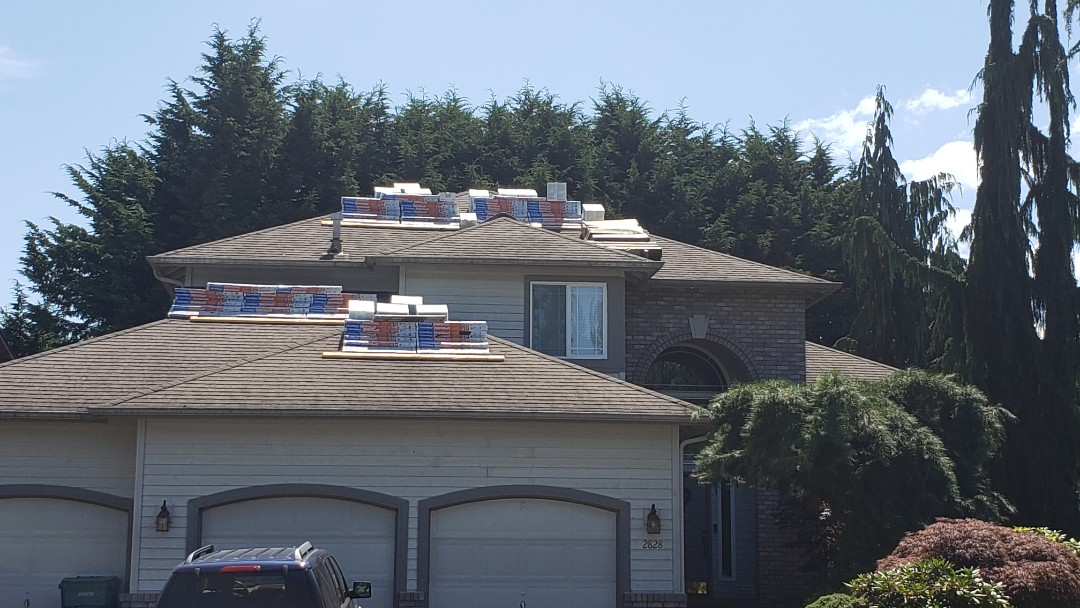 Everett, WA - Roof loaded and ready to get started on a reroof.