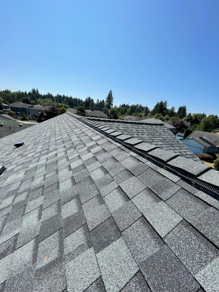 Granite Falls, WA - New roof installed with a 5 star warranty