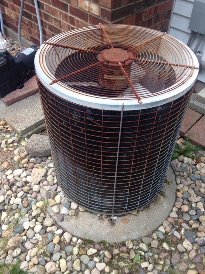 Kalamazoo, MI - A/c repair, replace disconnect switch on Amana air conditioner that had gone bad, cycle unit and checked refrigerant levels