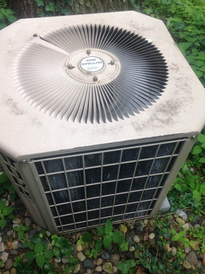 Kalamazoo, MI - A/C repair, replace capacitor on York air conditioner and cycled unit to check refrigerant pressures and temperatures