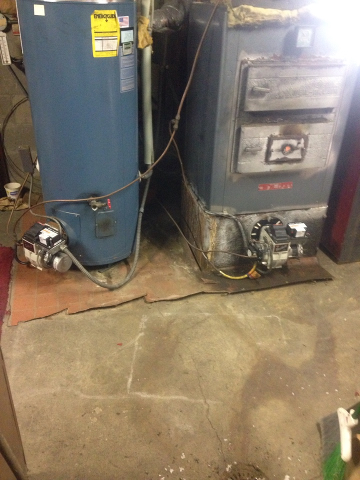 Hickory Corners, MI - Heating tune up, perform maintenance service on oil boiler and water heater