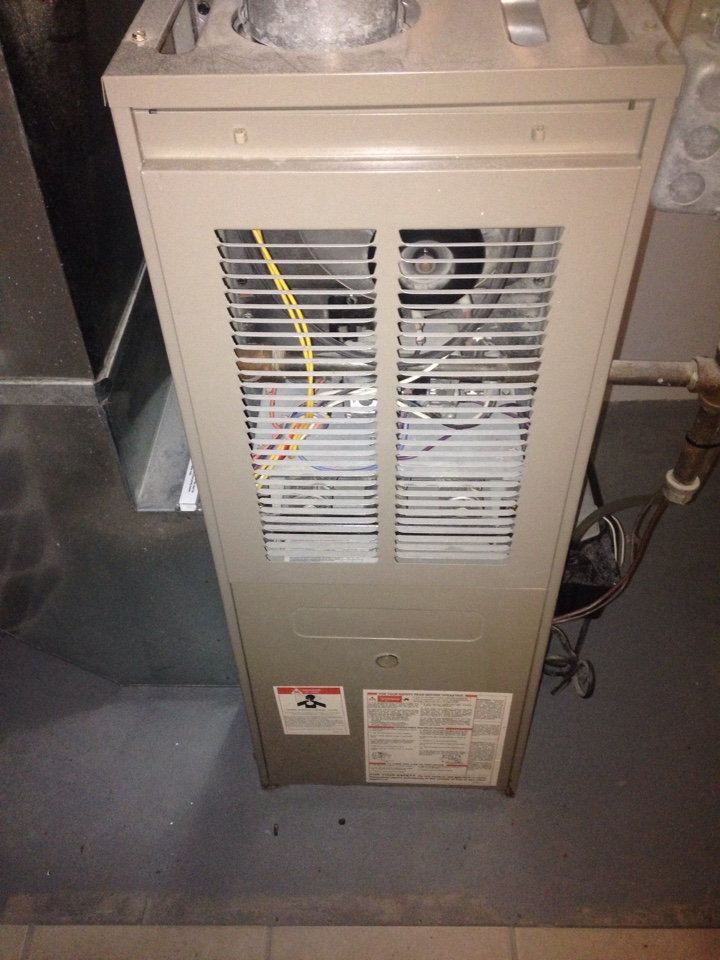 Portage, MI - Furnace tune up, perform maintenance service on Goodman gas furnace