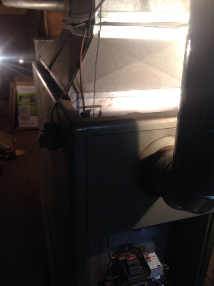 Scotts, MI - Furnace tune up, perform maintenance service on oil furnace, replace nozzle and oil filter, replace fan belt