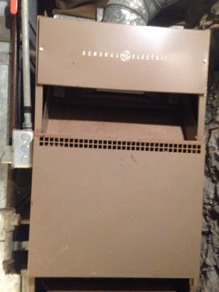 Vicksburg, MI - Furnace tune up, perform maintenance service on General Electric gas furnace