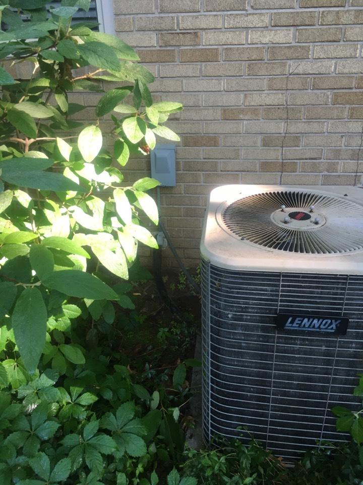 Air conditioner maintenance, perform annual service on Lennox air conditioner