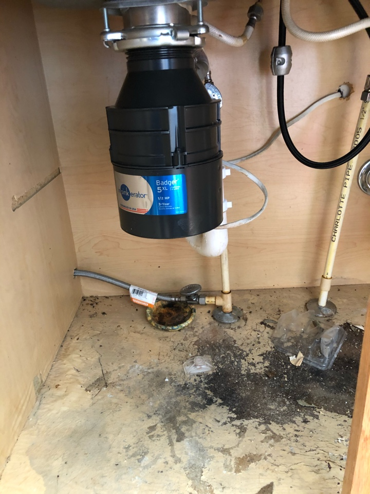 Waldorf, MD - Install new garbage disposal