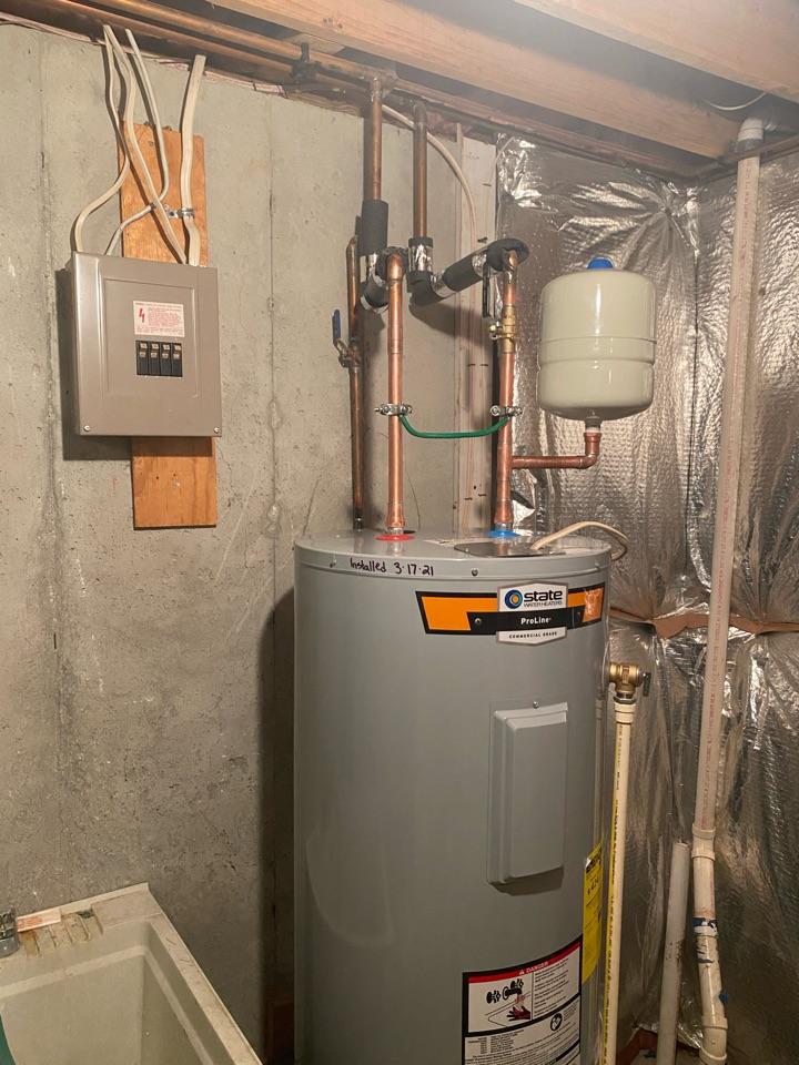 Upper Marlboro, MD - Installed new electric water heater in Upper Marlboro, MD