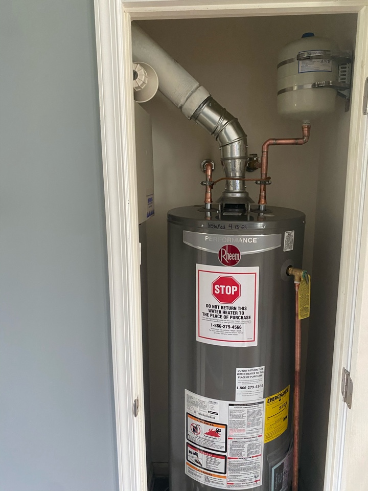 Waldorf, MD - Installed customer supplied water heater in Waldorf, MD
