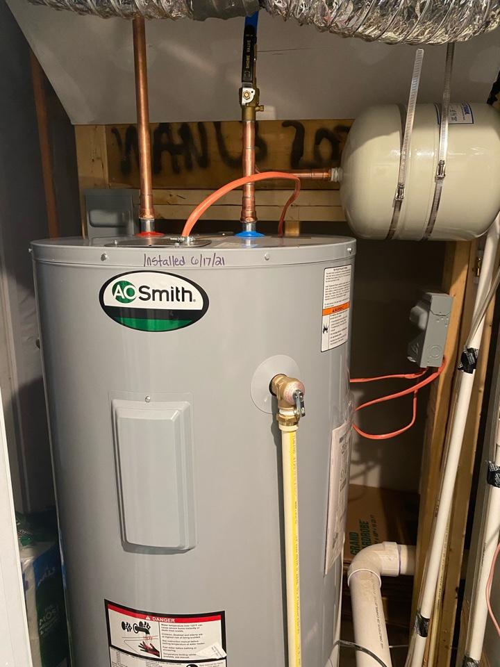 Upper Marlboro, MD - Installed 80 gallon electric water heater in LaRGO, MD