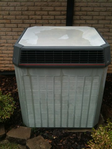 Clanton, AL - Tuned up a well maintained 22 year old Trane system. Still in great shape!
