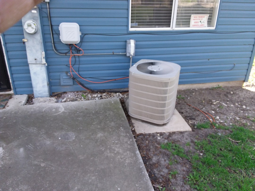 Matteson, IL - Installation of new Payne air conditioner replacing old ge air conditioner