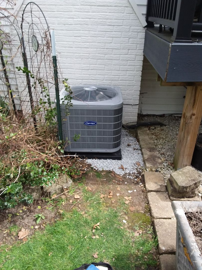 Wheaton, IL - Installation of new carrier air conditioner replacing old carrier air conditioner