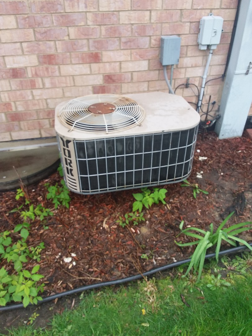 Crestwood, IL - Servicing York air conditioning system