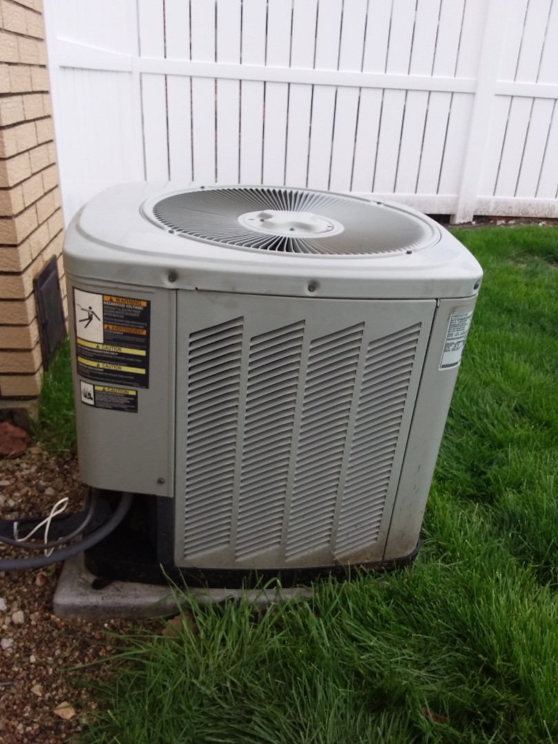 Crestwood, IL - Servicing in Ameristar AC unit