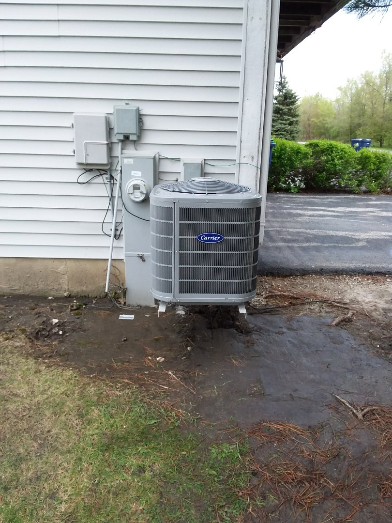 Matteson, IL - Installation of new carrier air conditioner replacing old ge air conditioner