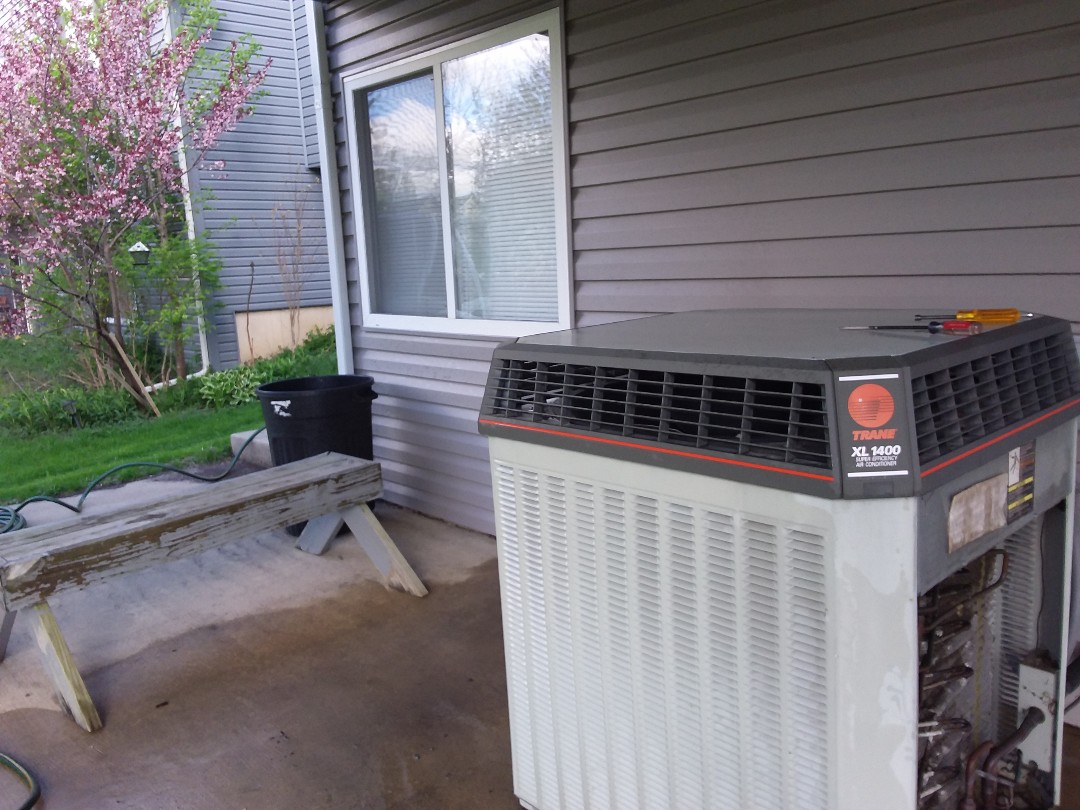 South Elgin, IL - Clean and checked a/c
