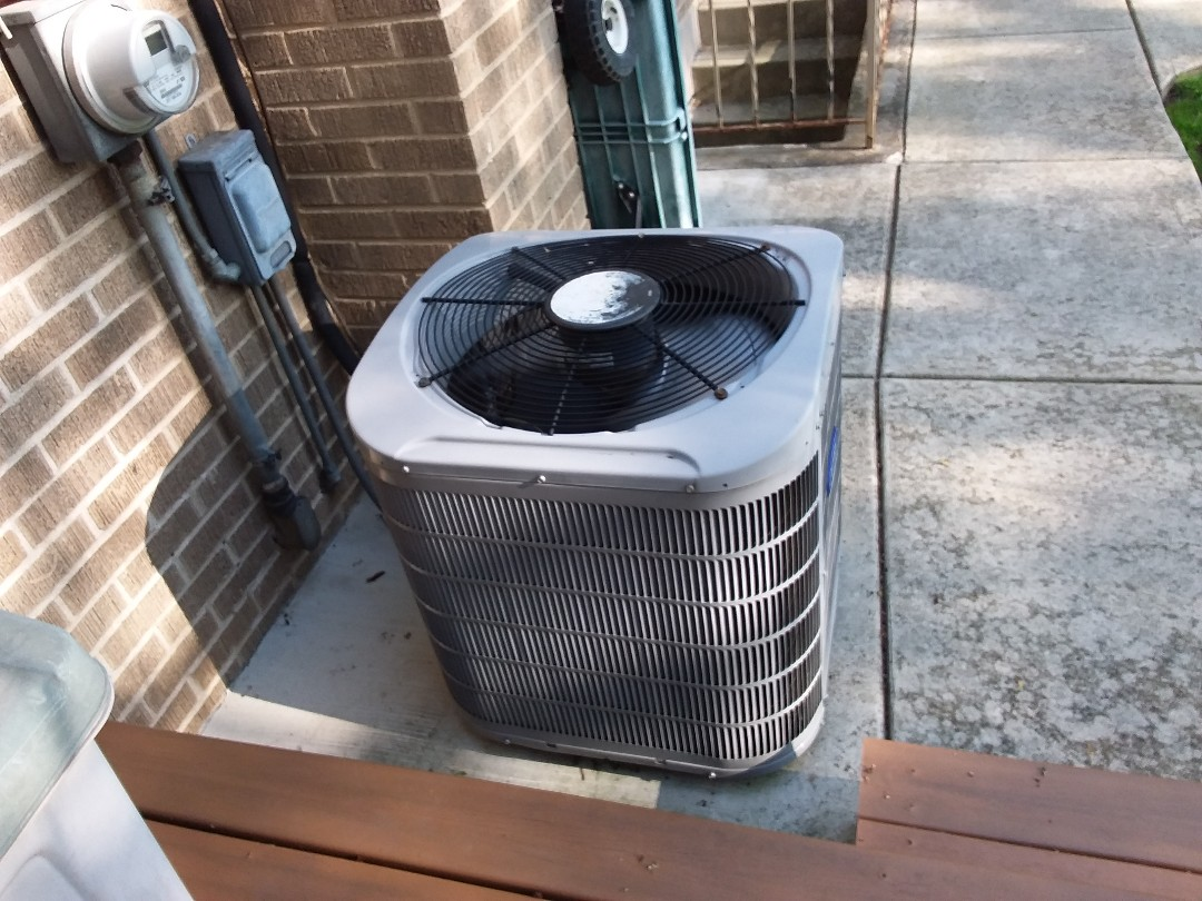 Des Plaines, IL - Clean and checked a/c