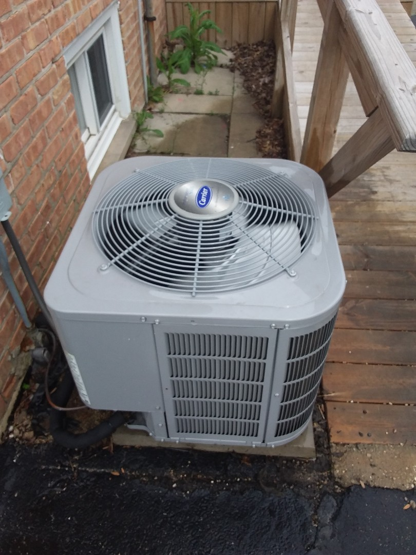 Chicago Ridge, IL - Servicing Carrier AC system