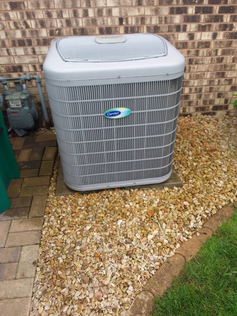 Orland Park, IL - Carrier air conditioner maintenance and cleaning
