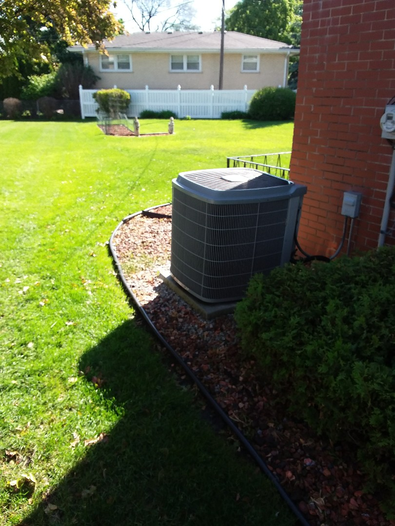 Oak Lawn, IL - Installation of new carrier air conditioner replacing old carrier air conditioner