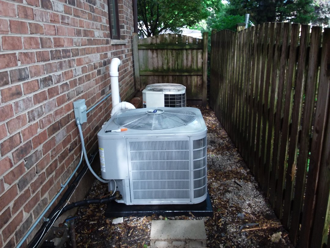 Park Ridge, IL - Cleaned and checked 2 a/c systems.