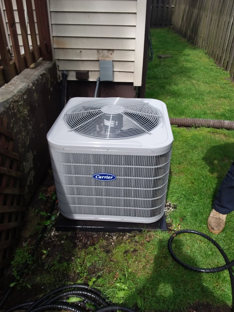 Dolton, IL - Maintaining Carrier AC system