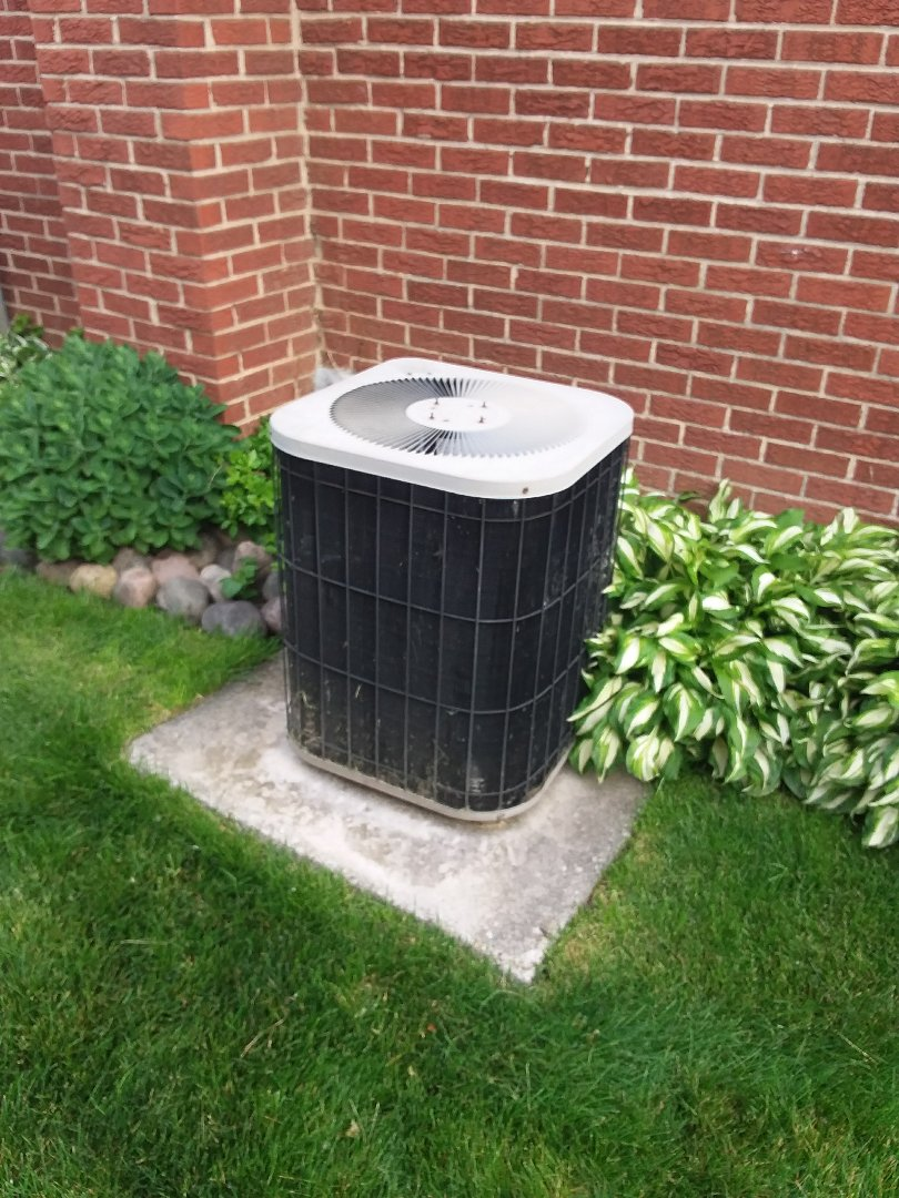 Oak Forest, IL - Installation of new carrier air conditioner replacing old ge air conditioner