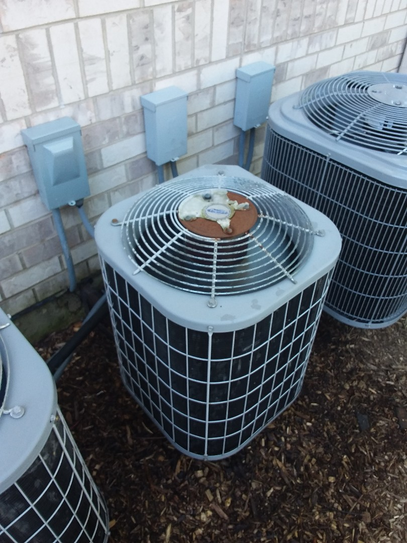 Oak Forest, IL - Maintaining Carrier AC system