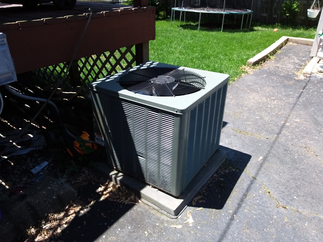 Wheeling, IL - Cleaned and checked a/c