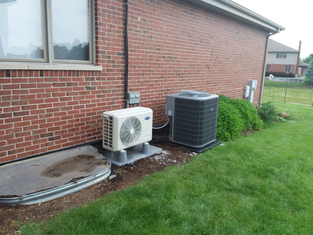 Tinley Park, IL - Carrier mini split system