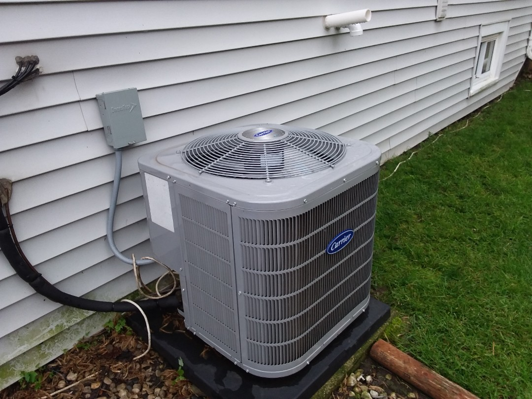 River Grove, IL - Cleaned and checked a/c