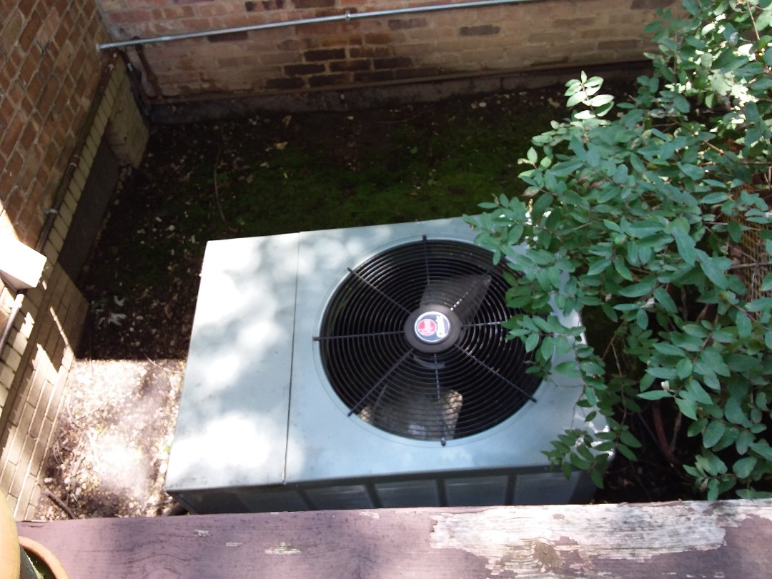 Wilmette, IL - Cleaned and checked a/c