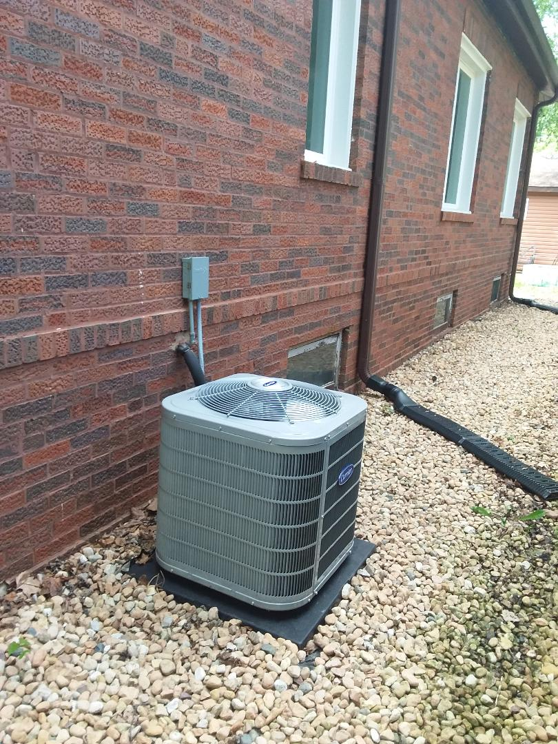 Chicago, IL - Installation of Carrier air conditioning