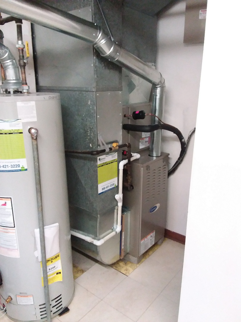 Palos Heights, IL - Installation of new carrier furnace replacing old Tappan furnace